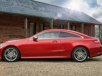 Названы самые успешные автомобильные премиум-бренды в РФ