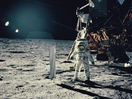 Сколько раз люди высаживались на Луну?