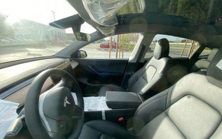Первые фото салона Tesla Model Y — чем он отличается от Model 3?