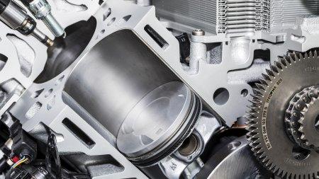 Моторист Porsche предсказал как изменятся моторы в 2026 году