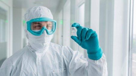 Вакцина против COVID-19: получены результаты первых испытаний на людях