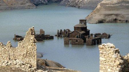 Подводный итальянский город может оказаться на поверхности через год