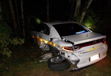 Автомобиль Tesla с автопилотом протаранил полицейский автомобиль. Как это произошло?