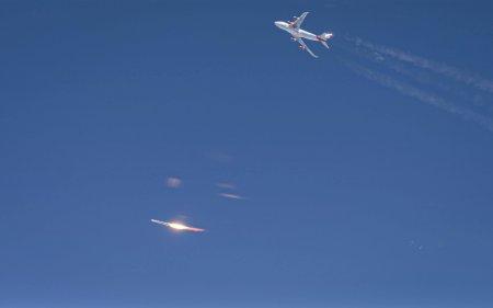 Virgin Orbit запустила ракету в космос с самолета. Но зачем?