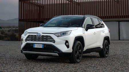 Toyota начала продажи «подключенного» RAV4 в России