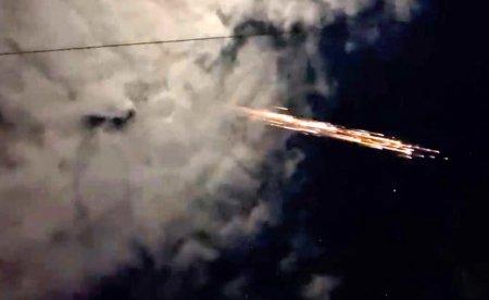 Вторая ступень ракеты Falcon 9 сгорела в атмосфере Земли и устроила фейерверк