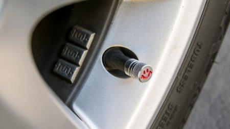 Как защитить машину от кражи колёсных колпачков